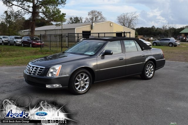 Pre Owned 2010 Cadillac Dts Base